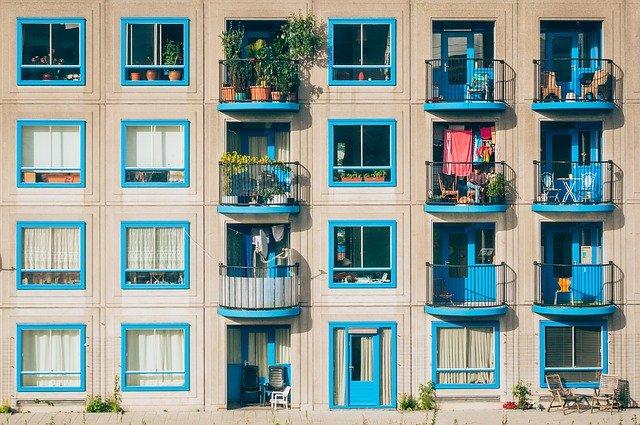 balcony dream meaning
