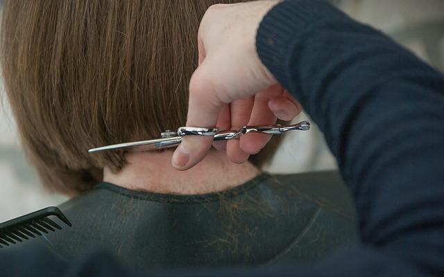 dream cutting hair