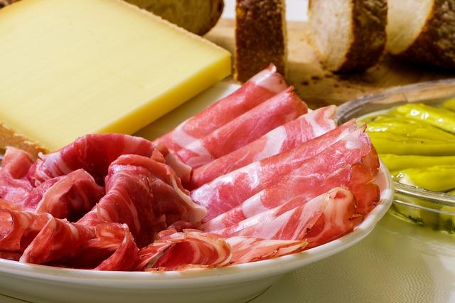dream cutting meat