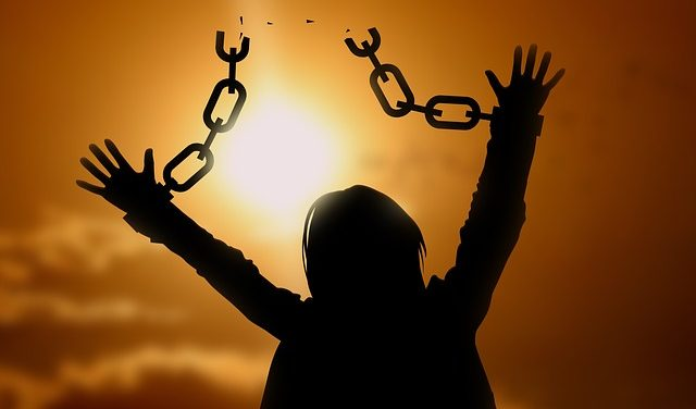 chain dream meaning