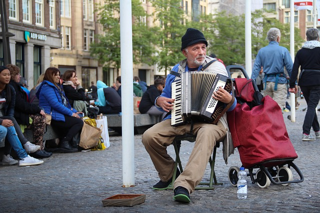 accordion dream meaning